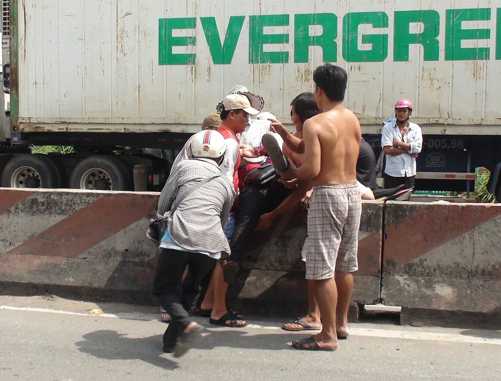 tai nạn giao thông,tai nạn,Vĩnh Long