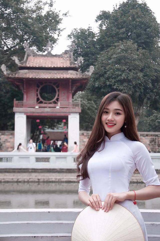 Thiếu nữ xinh đẹp xứ Nghệ 'thả thính' khiến người xem khó rời mắt