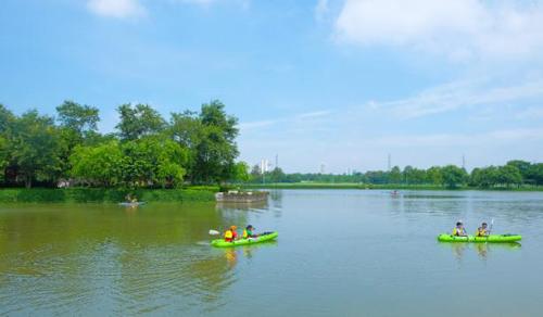 Khám phá trại hè không lồng kính ngay giữa Hà Nội