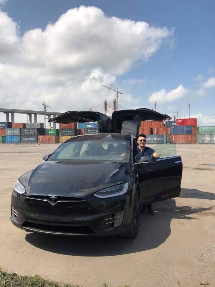 Dàn siêu xe 'đen tuyền' không đụng hàng của thiếu gia Dương 'Kon'