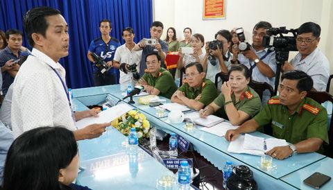 Khen thưởng nóng những người dũng cảm vụ cướp giật đâm người trên phố Sài Gòn