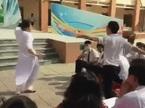Nữ sinh Sài Gòn được ca sĩ mời lên sân khấu vì 'quẩy' nhiệt tình
