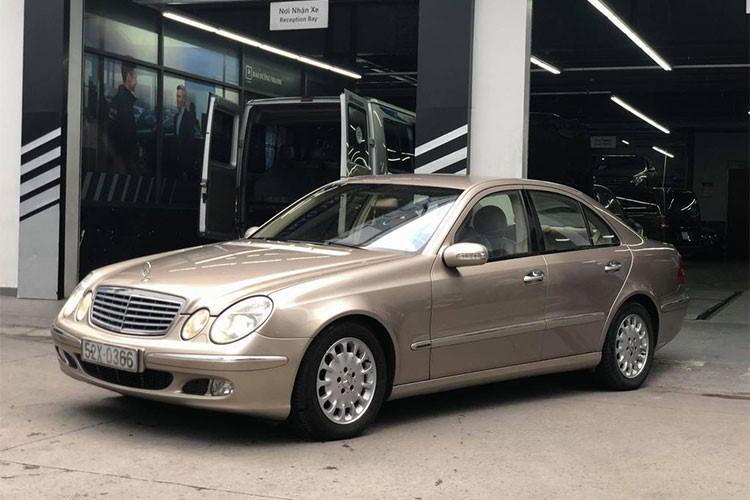 Giá mua mới gần 2 tỷ, sau 14 năm, Mercedes E240 giảm chỉ còn 300 triệu