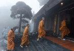 An nhiên hành hương nóc nhà Đông Dương mùa Phật Đản