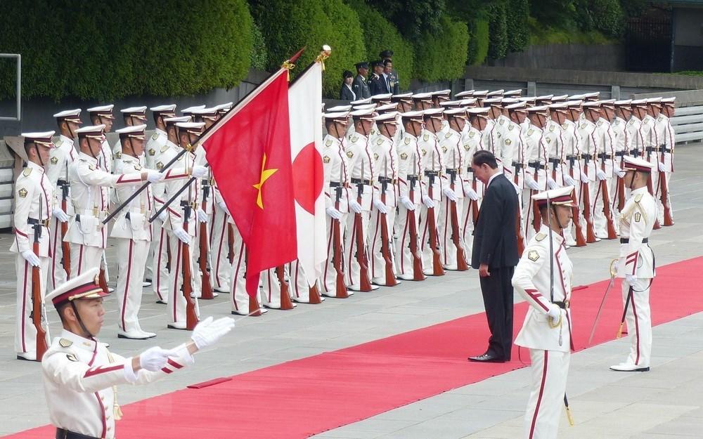 Nhà vua Nhật Bản đón Chủ tịch nước tại Hoàng cung