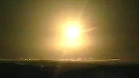 Israel tấn công Gaza dữ dội, cảnh báo chiến tranh