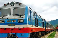Những chuyến tàu thu về 1 triệu đồng: Tiền đâu tăng lương?