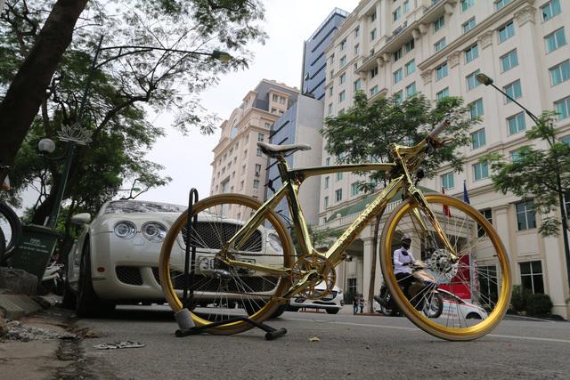Xe đạp mạ vàng hơn 1 tỷ đồng của đại gia Hà Nội