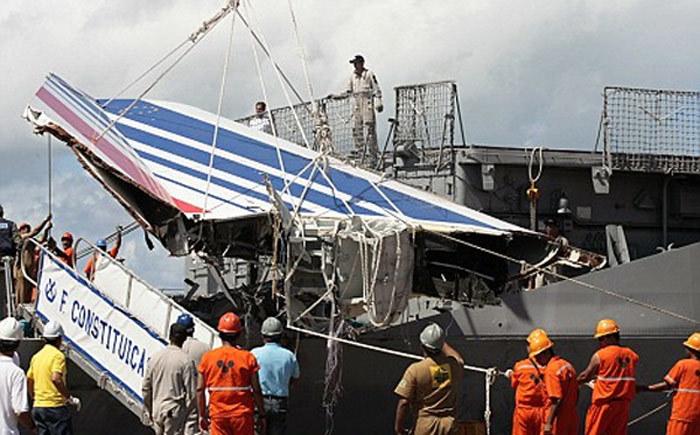 Ngày này năm xưa: Thảm kịch máy bay Pháp đâm xuống Đại Tây Dương