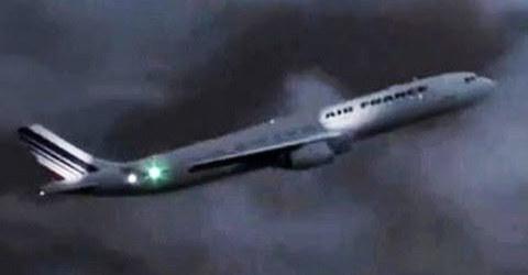 Kinh hoàng máy bay Pháp chở 228 người lao xuống Đại Tây Dương