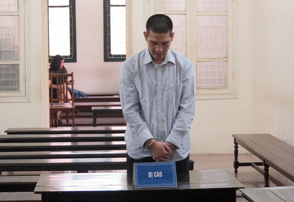 Hà Nội: Lái xe tải nhận án tù vì tăng ga, đâm xe vào cảnh sát