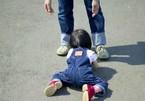 Đề thi lớp 10 chuyên bàn chuyện dỗ con ngã bằng cách đánh đất