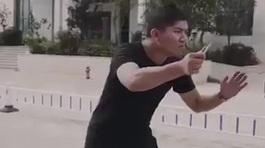 Cách ứng phó cực đơn giản khi bị tấn công bằng dao