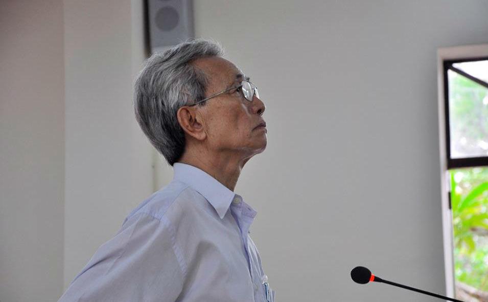 Xét xử giám đốc thẩm vụ Nguyễn Khắc Thủy dâm ô trẻ em