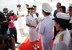 Nữ thuyền trưởng lái chiến hạm Pháp cập cảng Sài Gòn