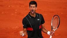 Djokovic nghẹt thở giành vé vòng 4 Roland Garros