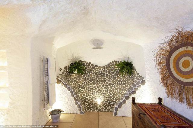 Ngôi nhà trong hang động đẹp đến ngỡ ngàng