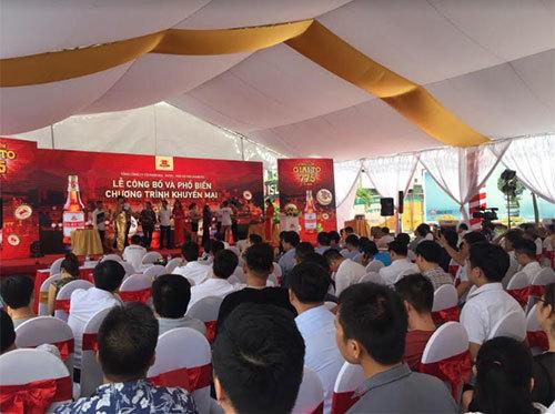 Bia Hà Nội tặng khách hàng hơn 77,5 tỷ đồng
