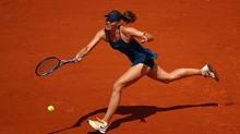Sharapova dừng bước ở tứ kết Roland Garros