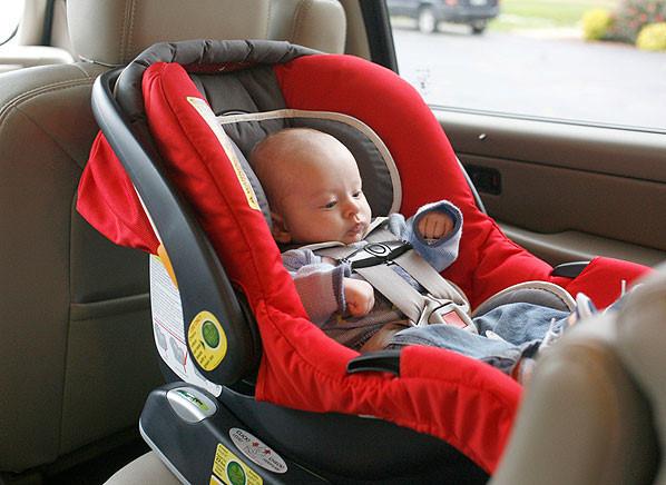 Chỗ ngồi nào an toàn nhất cho trẻ em trên ô tô?