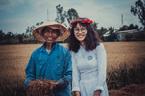 Chuyện về bức ảnh nữ sinh lội ruộng chụp ảnh cùng cha ngày bế giảng