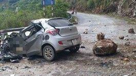 Đá tảng rơi trúng ô tôđỗ ven đường, tài xế tử vong