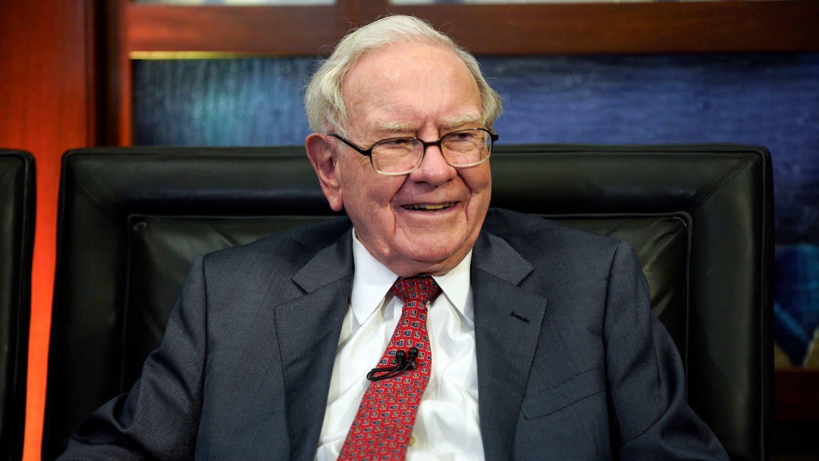 Trả 75,5 tỷ đồng để ăn trưa với tỷ phú Warren Buffet