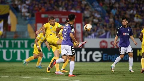 Hà Nội FC 2-0 Khánh Hòa: Văn Đại nâng tỷ số lên 2-0