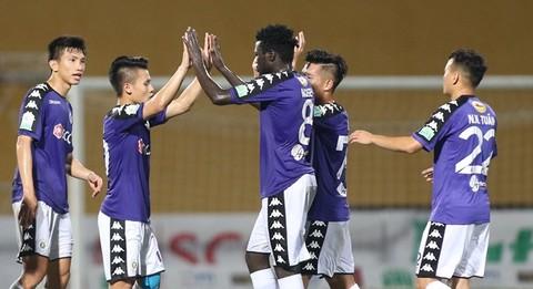 Hà Nội FC 4-0 Khánh Hòa: Quang Hải sút phạt tuyệt đẹp