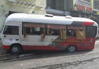 Xe du lịch mất phanh lao vun vút, 10 người bị thương