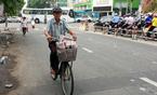 Chuyện người đàn ông hơn 20 năm bán báo dạo ở Sài Gòn