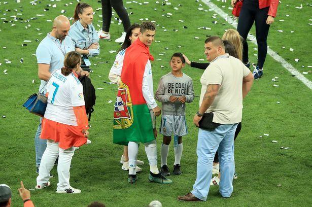Ronaldo thuê 2 vệ sĩ nghe đã khiếp vía, tại World Cup 2018