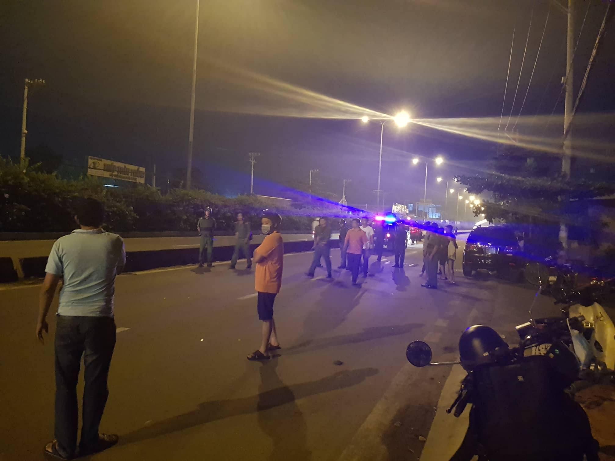Đi sau nhóm 'quái xế', nam thanh niên trúng đạn tử vong trên phố Sài Gòn