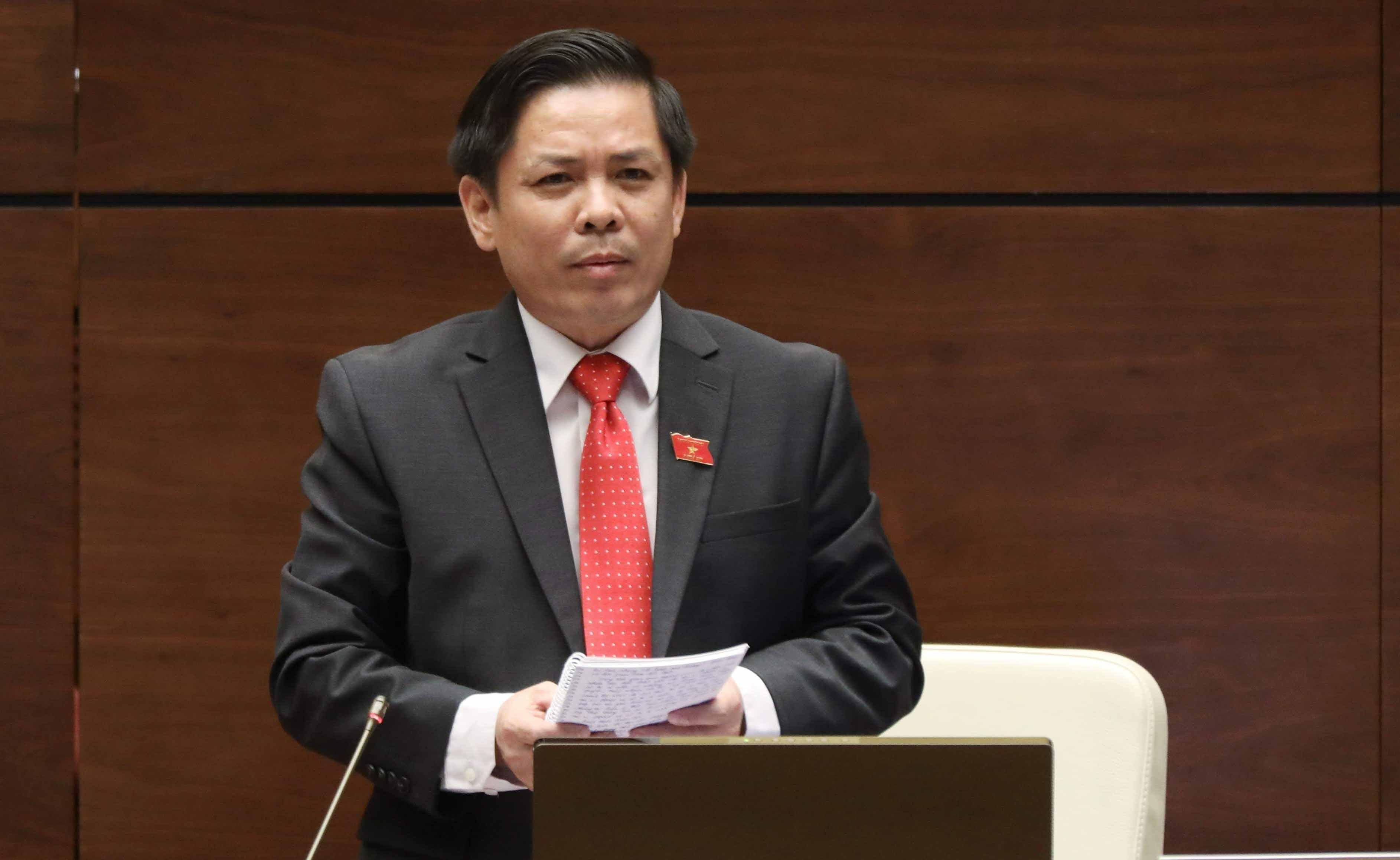 Bộ trưởng Nguyễn Văn Thể liên tục nhận trách nhiệm vì chất vấn dồn dập