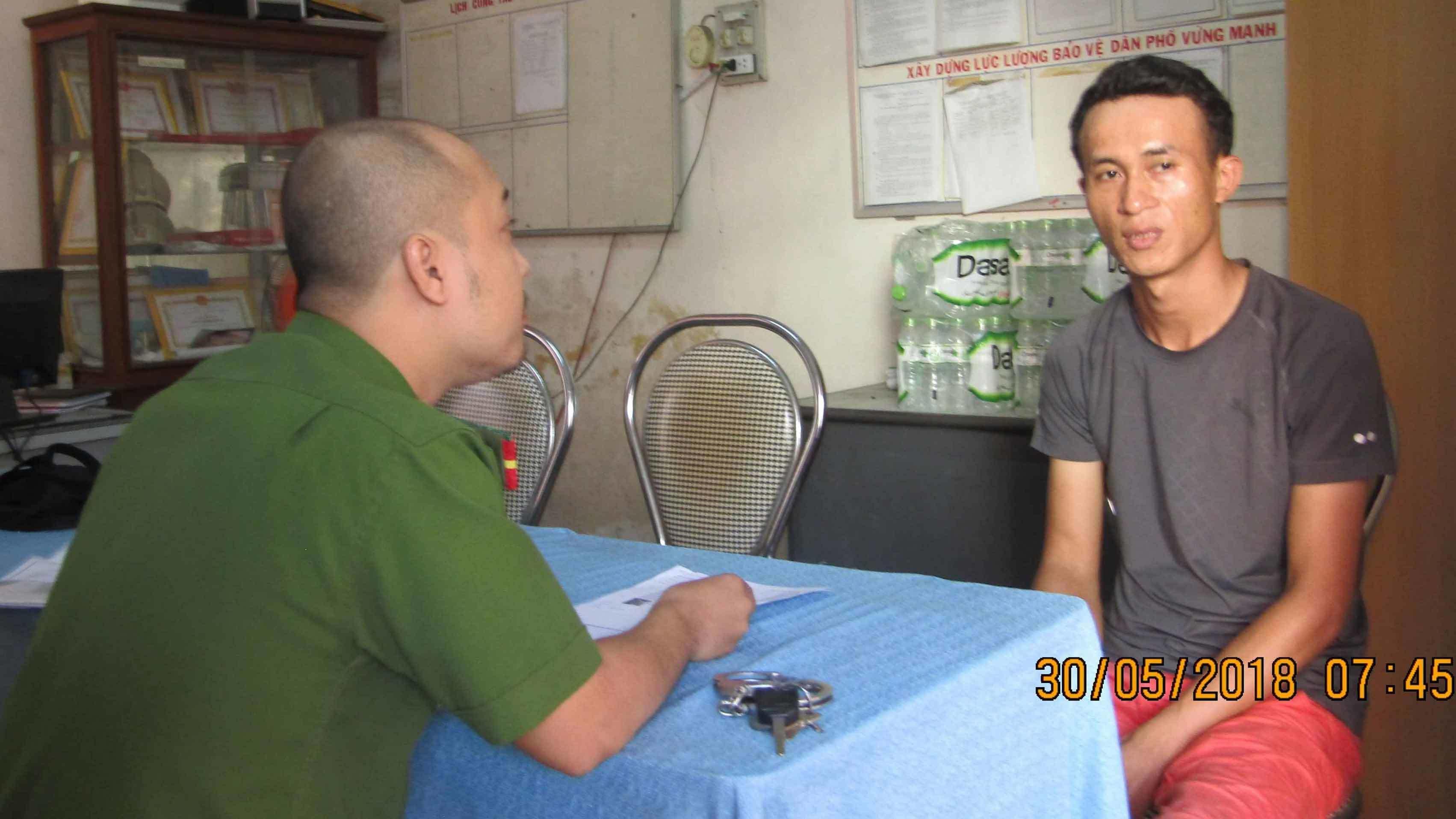Công an Đà Nẵng làm rõ nam thanh niên dùng 'chiêu bẩn' moi tiền của khách