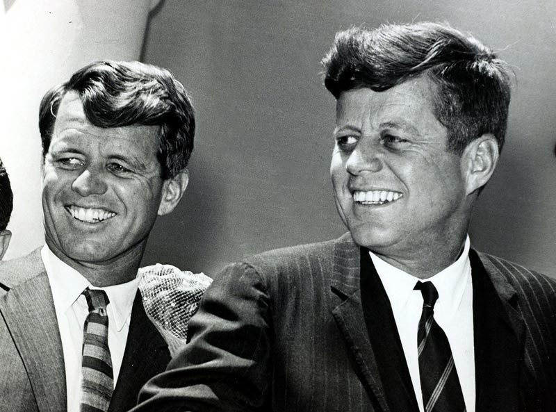 '. Ngày này năm xưa: Thảm kịch ám sát tái diễn với nhà Kennedy .'
