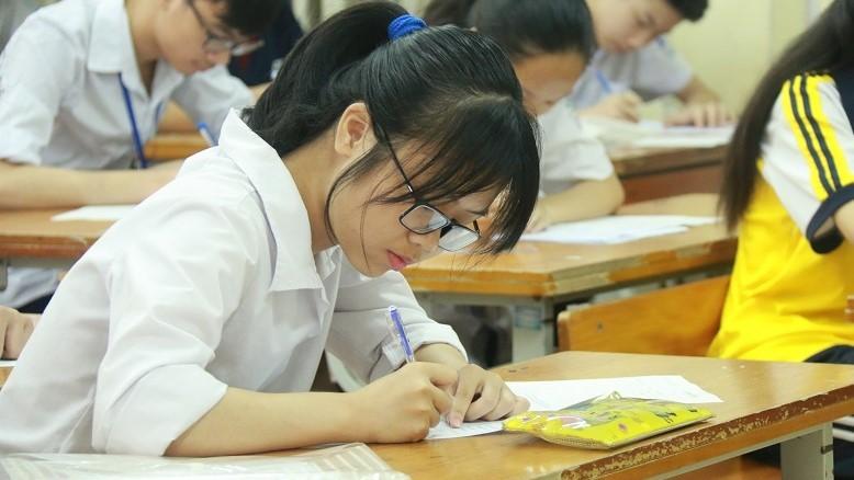 """""""Sở GD-ĐT Hà Nội muốn giảm thời gian làm bài thi 4 môn vào lớp 10"""""""
