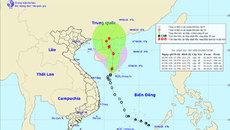 Bão số 2 vần vũ ở biển Đông, gió giật cấp 10