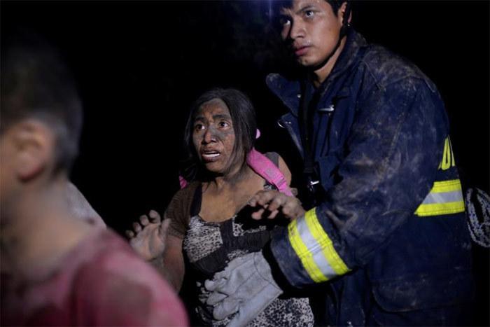 Cảnh tang tóc vì thảm họa núi lửa ở Guatemala