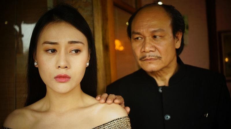 Phương Oanh phải uống thuốc giảm đau khi diễn cảnh bị cưỡng hiếp