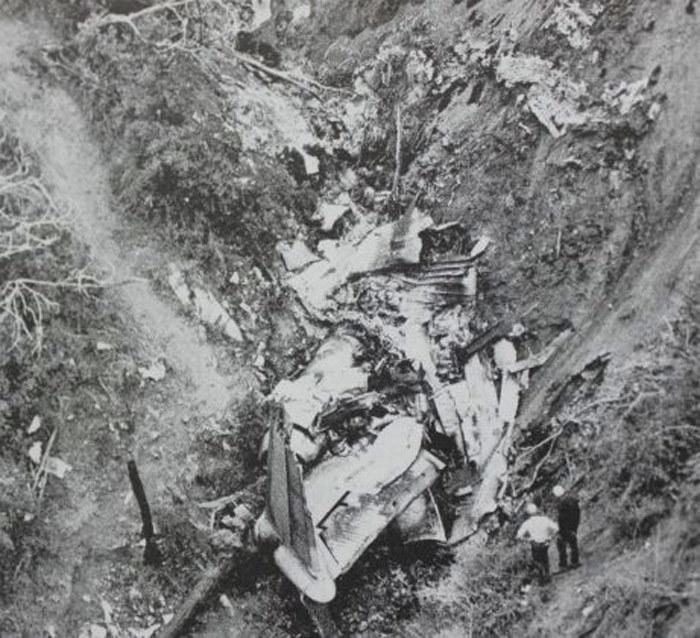 Ngày này năm xưa:,máy bay khách,chiến cơ Mỹ,đâm nhau,tai nạn máy bay