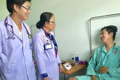 Kỳ lạ: Gãy xương bánh chè, chàng trai Sài Gòn nhập viện vì thuyên tắc phổi