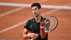 """Djokovic dừng bước ở tứ kết sau màn """"đấu súng"""" căng thẳng"""