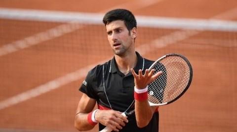 Djokovic 1-3 Cecchinato