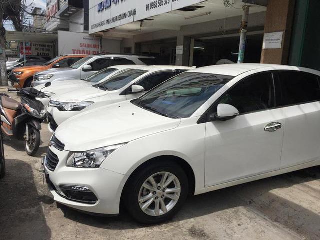 Thị trường xe ô tô cũ 'ảm đạm' vì cửa hàng… 'không có xe để bán'?