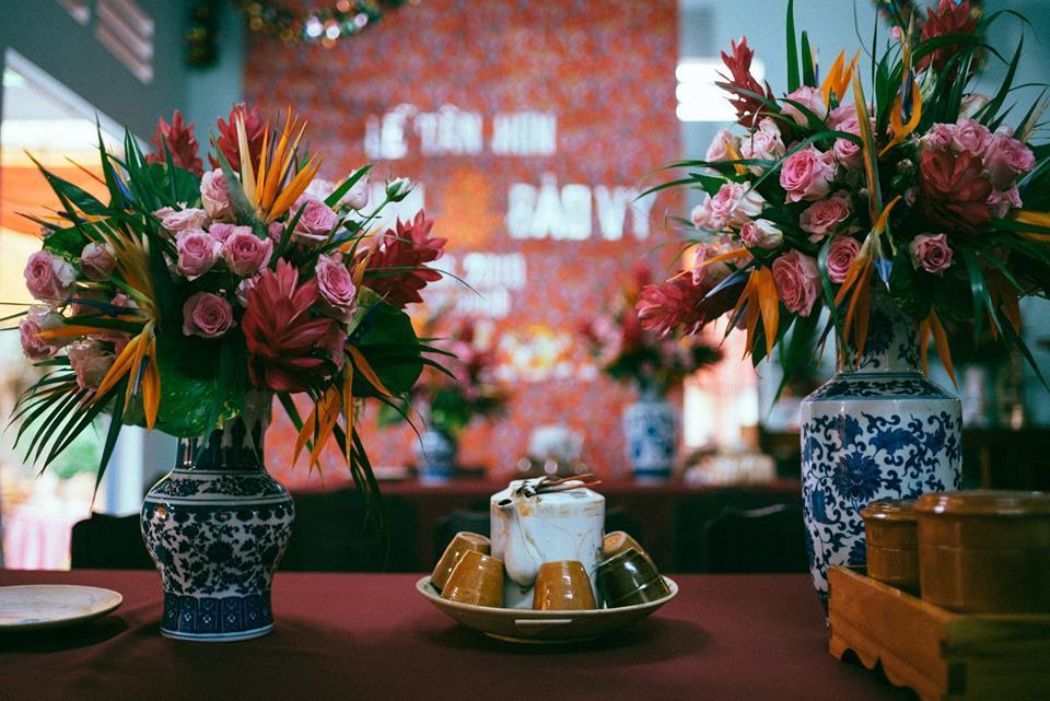 Đám cưới tràn ngập sắc hoa của quản lý Chi Pu