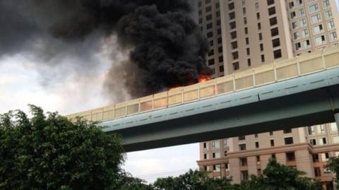 cháy bus ở hạ môn