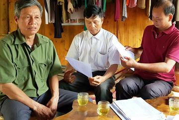 Trưởng thôn tự lập hồ sơ, giả chữ ký 'ăn' tiền hỗ trợ bão lụt