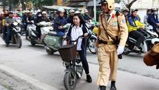 Vi phạm giao thông khi 14 tuổi, xử phạt ra sao