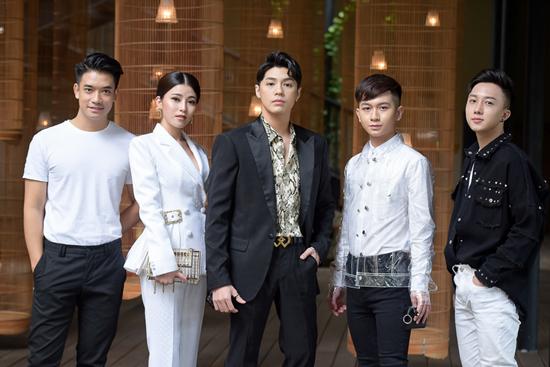 Mỹ nam phim 'Chị đẹp mua cơm ngon cho tôi' đến Việt Nam họp fan